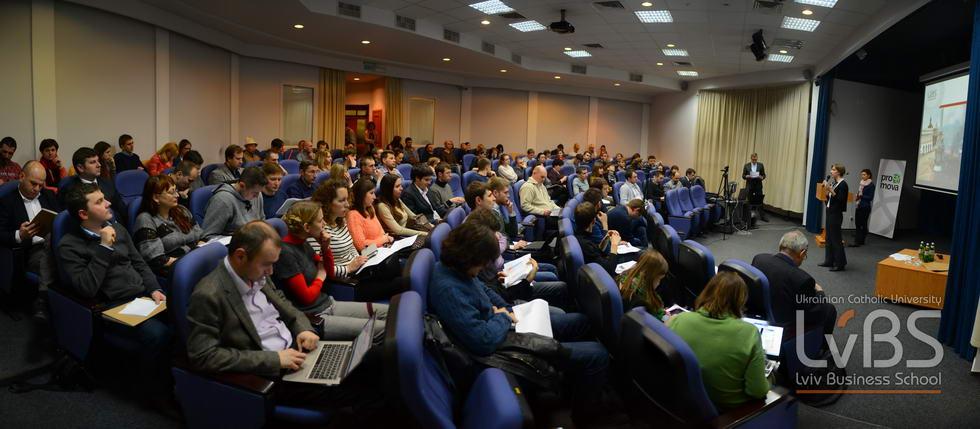 На презентацію дослідження прийшло дуже багато людей, серед яких громадські діячі, підприємці, науковці, студенти та всі ті, хто зацікавлений в розбудові нової України